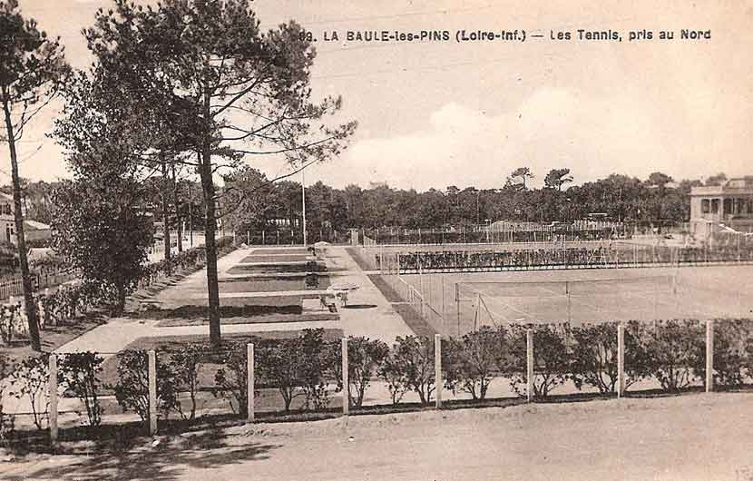 Le Tennis Sporting Club, pris au nord