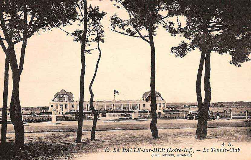 Tennis Club inauguré en 1926 - Le plus grand de la côte atlantique