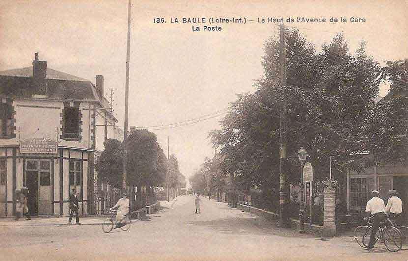 Les lieux publics en cartes postales anciennes la baule s pia 1879 1939 - Bureau de poste gare de l est ...